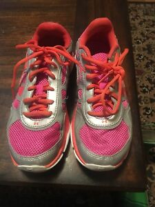 Girls Under Armour Shoes Size 6