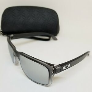 OAKLEY HOLBROOK 9102-A9 POLARIZED SUNGLASSES – NICE DESIGN AUTHENTIC (A86)