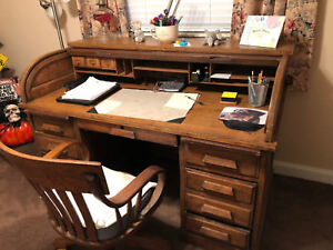 antique roll top desk w chair