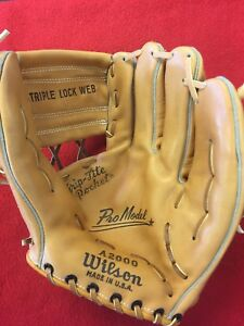 Vintage FIRST YEAR Wilson A2000 GLOVE Made USA - Never been used SUPER RARE!