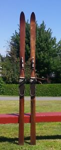 LOVELY ANTIQUE Wooden 'T. Eaton' Skis 78