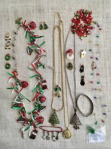 Christmas Collection Of Costume Jewelry Bargain Clean And pristine!