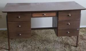 Nice Mid-Century Style Office Desk - VGC - GREAT MID CENTURY DESIGN - STYLISH