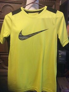NIKE DRY W DRI-FIT BOYS SIZE LARGE NEON GREEN AND BLACK SHORT-SLEEVE SHIRT NWT