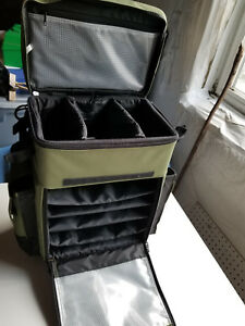 Elkton Outdoors Rolling Tackle Box 5 Removable Tackle Trays 4 Rod Holders