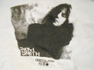 PATTI SMITH Vintage PUNK ROCK 70'S 80'S INDIE T Shirt CENTRAL PARK ROCK GRUNGE