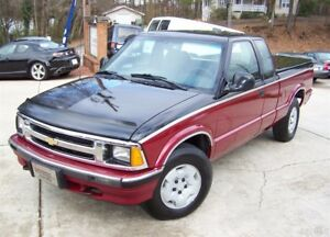1994 Chevrolet S-10 1-OWNER 79K SPORT 4X4 4.3L VORTEC V6 EXT SUPER CAB A SHARP 4WD TU-TONE LOADED SHORT BED CRUISE HARD BED COVER GMC S15 SISTER TRUCK