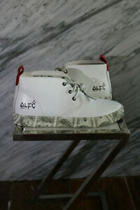 Limited edition sneakers by super artist Alec monopoly. Mens 9