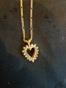 14K YELLOW GOLD DIAMOND STUDDED HEART PENDANT NECKLACE 18 inch.