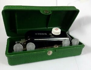 OLD SINGER BUTTONHOLDER SEWING MACHINE WITH BOX 1948 MADE IN USA $39.00