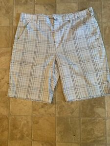 Under Armour Golf Shorts Plaid Flat Front PolyesterElastane Men's 38R