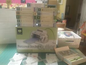 Cricut Personal Electronic Cutter Provo Craft With Lot Of 14 Complete Cartridge