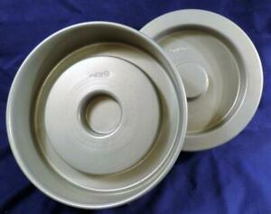 WILTON TASTY-FILL Cake Pans Nonstick Excellent Condition