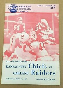 AFL FOOTBALL PROGRAM CHIEFS vs. RAIDERS 1967 PRE SEASON PORTLAND RARE