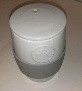 Pampered Chef White Ceramic Microwave Egg Cooker with Lid Silicone Collar GUC