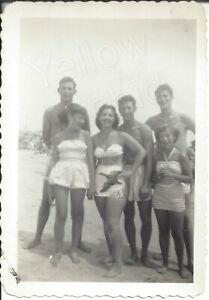 1949 Photo Pretty Young Women Bikinis amp; Handsome Shirtless Men Rockaway Beach NY