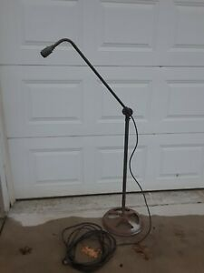 VINTAGE MANLEY MFG INDUSTRIAL PORTABLEANGLE EXTENDABLE FLOOR LIGHT LAMP $195.00