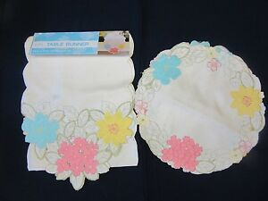 Easter Flowers Floral Embroidered 6ft. Table Runner amp; 4 Placement Set Brand New