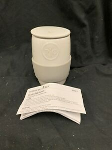 Pampered Chef 1529 Ceramic Egg Cooker w/silicone sleeve Microwave W/Instructions