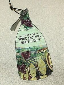 WINE BOTTLE CHEESE CUTTING BOARD WITH SPREADER KNIFE