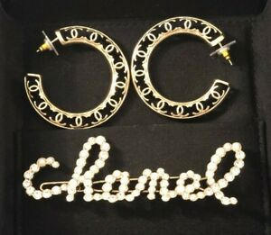 2 x CHANEL GOLD CC HOOP EARRINGS AND PEARL CRYSTAL HAIR CLIP AUTHENTIC SET NWT