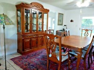 beautiful claw foot wood dining set, w/ hutch, 6 chairs, table cover, leaf Lodi