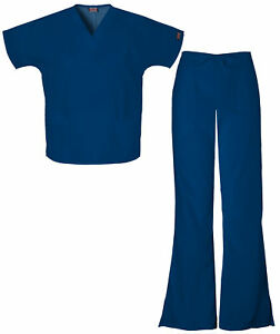 Cherokee Workwear Women#x27;s 4700 V Neck Scrub Top 4101 Drawstring Scrub Pant Set
