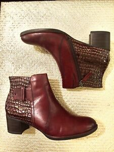 womens boots $35.00