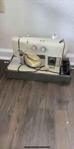 Ward's Sewing Sewing Machine Signature Model J265C $90.00