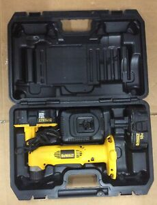 DeWALT DW960 18v 3 8quot; Cordless Right Angle Drill Charger Battery and Case $99.00