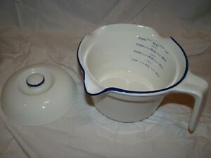 Blue and White Porcelain measuring bowl with lid $12.00