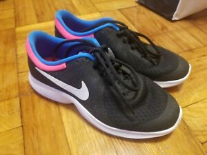 NEW Nike Youth Girls Kids Sneakers Shoes Black Pink Blue White Size 4.5Y $29.99