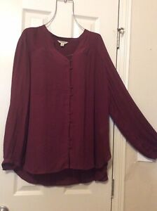 Woman Shirt Long Sleeves Lucky Brand Buttons On Front Burgundy VGUC