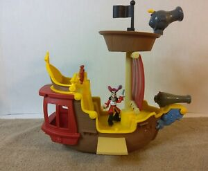 Jake and the Never Land Pirates Jolly Roger Hook Rolling Ship Retractable Plank
