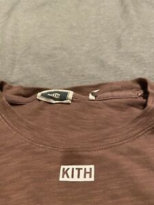 kith beige small box logo t shirt xl great condition $50.00