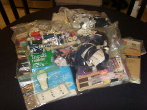 LOT OF NEW amp; USED SEWING SUPPLIES ZIPPERS THREADS BIAS TAPE PLUS MORE $27.99