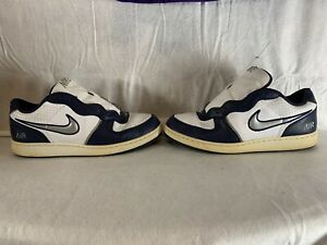 nike air vintage shoes mens size 13 blue and white $30.00