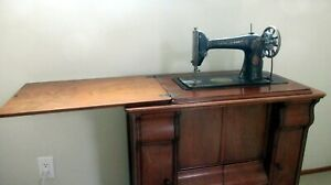 Antique 1918 Singer Sewing Machine 66K in Parlor Cabinet $144.50