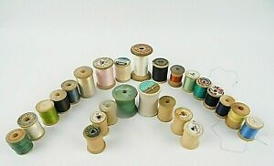 Vintage Mixed Lot Of 25 Wooden Sewing Thread Spools Free Shipping $21.99