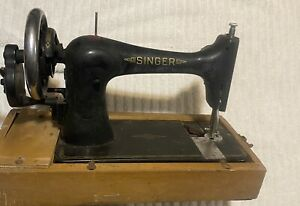 Singer Hand Crank Antique Sewing Machine Early 1900s W Wood Case $225.00