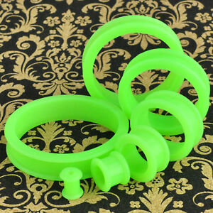1 Pair Green Soft Silicone Flexible Ear Tunnels Plugs Gauges Earlets Eyelets
