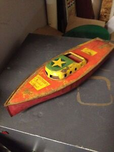 lindstrom tin litho wind up speed boat no