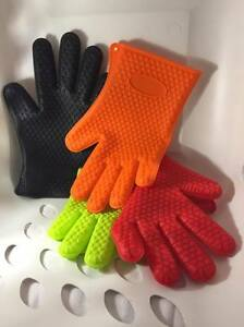 Heat Resistant Silicone Glove for Cooking, Baking & Barbecue- Mix & Match Colors