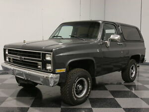 1987 Chevrolet Blazer  K5 BLAZER 4X4 STRONG 350 TBI 700R4 FACTORY AC WELL-APPOINTED