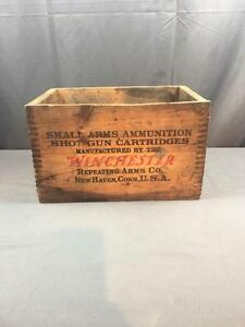 VntG WINCHESTER Repeating Arms Wood Ammo Box Shot Gun Cartriges