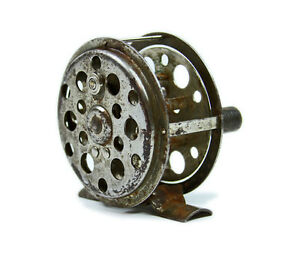 ANTIQUE UNMARKED METAL EARLY FLY FISHING REEL  VINTAGE FISH EQUIPMENT