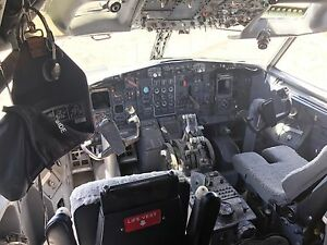 BOEING 727 full cockpit cut with full interior for simulator or display