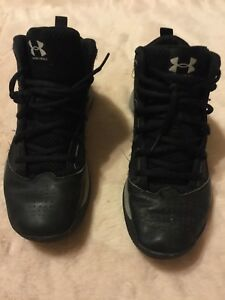 Under Armour  Basketball  Hi Top Sneakers  Boys  Size 6  38.5