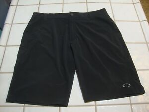 Oakley Golf Shorts Black Athletic Casual Flat Polyester Spandex Mens Size 34