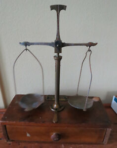 ANTIQUE CARTRIDGE RELOADING POWDER BALANCE SCALE with WEIGHTS MODERN BOND CORPS